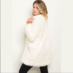NWT Gorgeous Ivory Faux Fur Coat